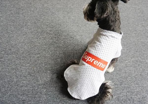 シュプリーム 犬用Tシャツ